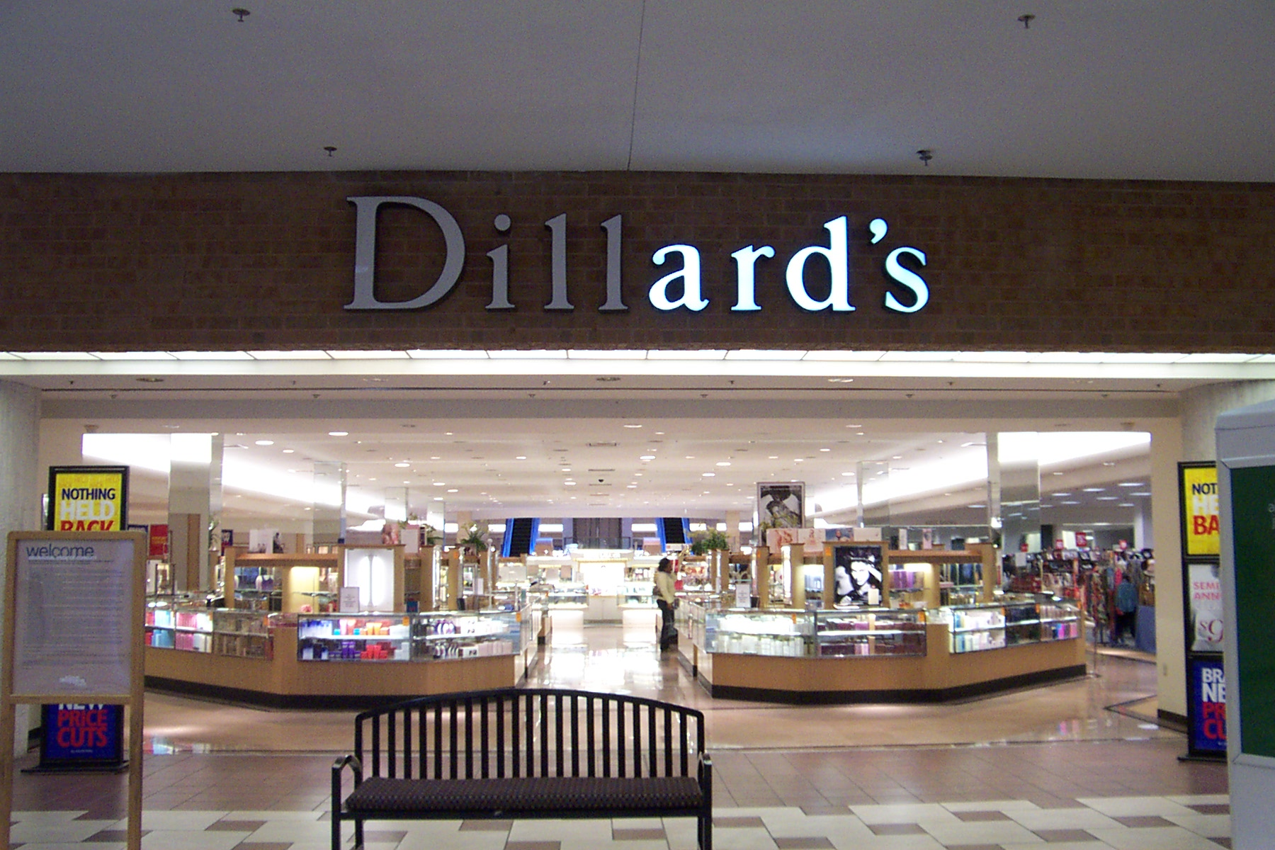 Dillards clothing store near me