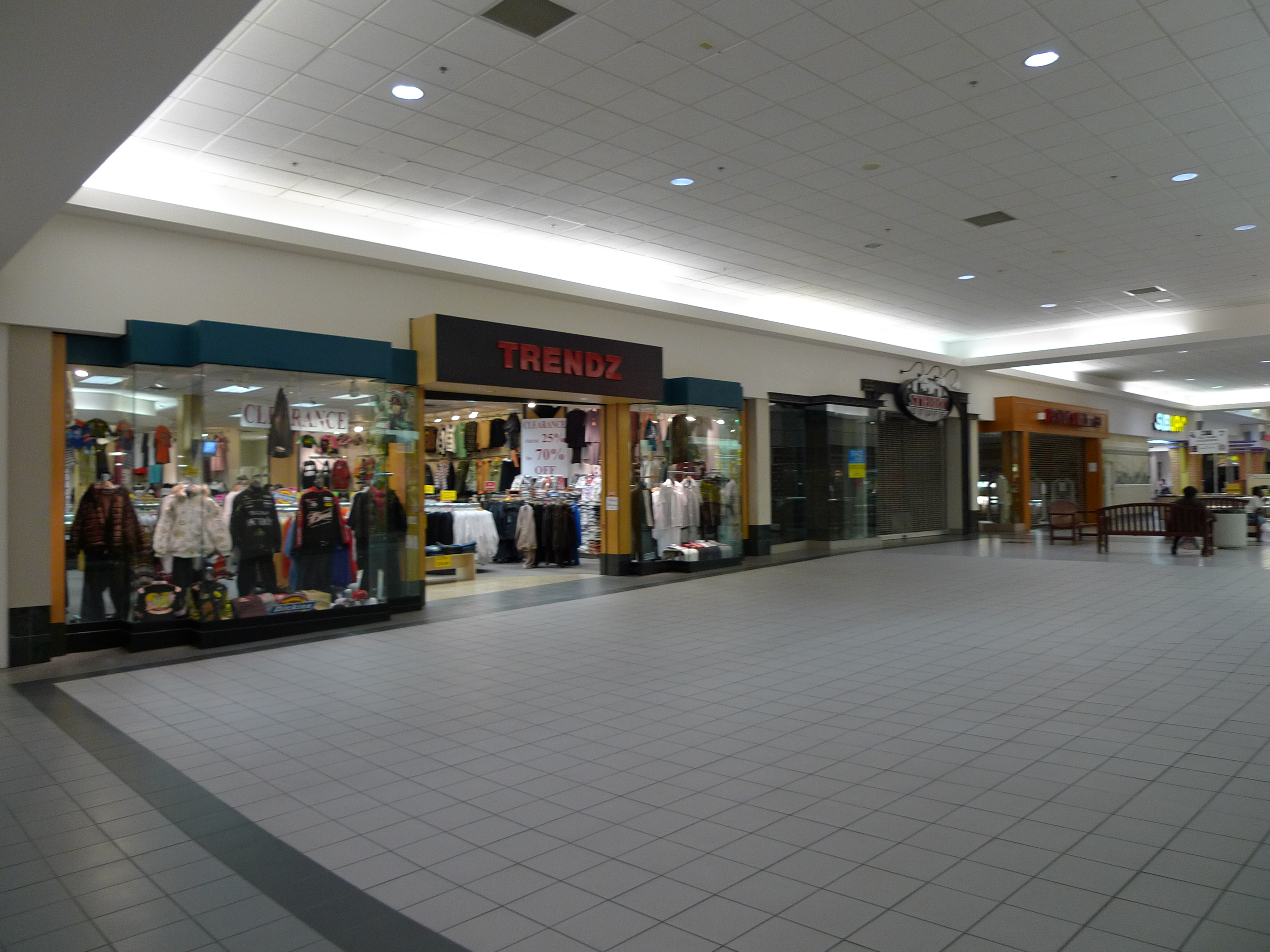 Dutch Square Mall >> Cromer S P Nuts Various Locations Not Closed At Columbia