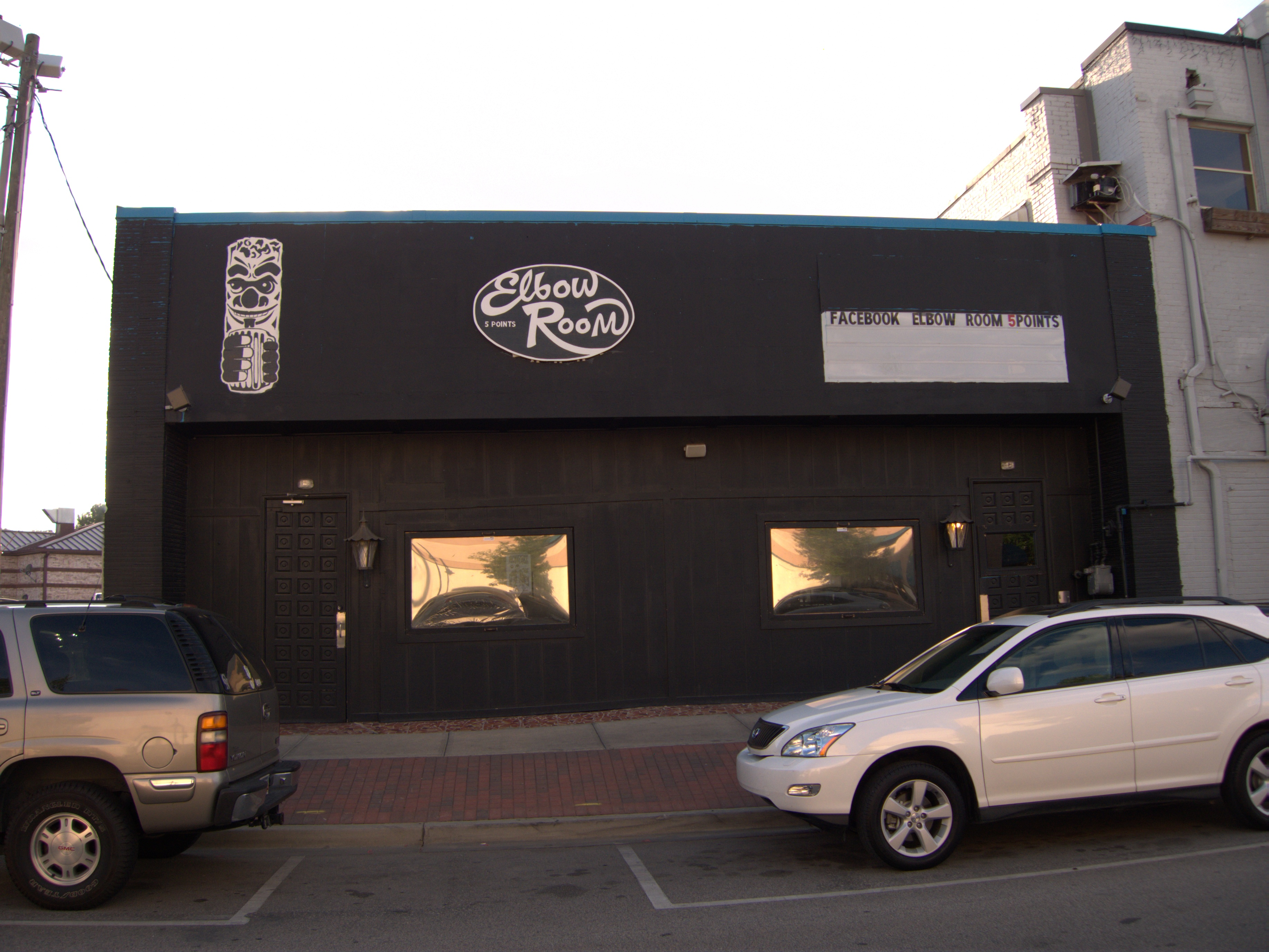 Elbow Room, 2020 Devine Street: 25 May 2010 at Columbia Closings