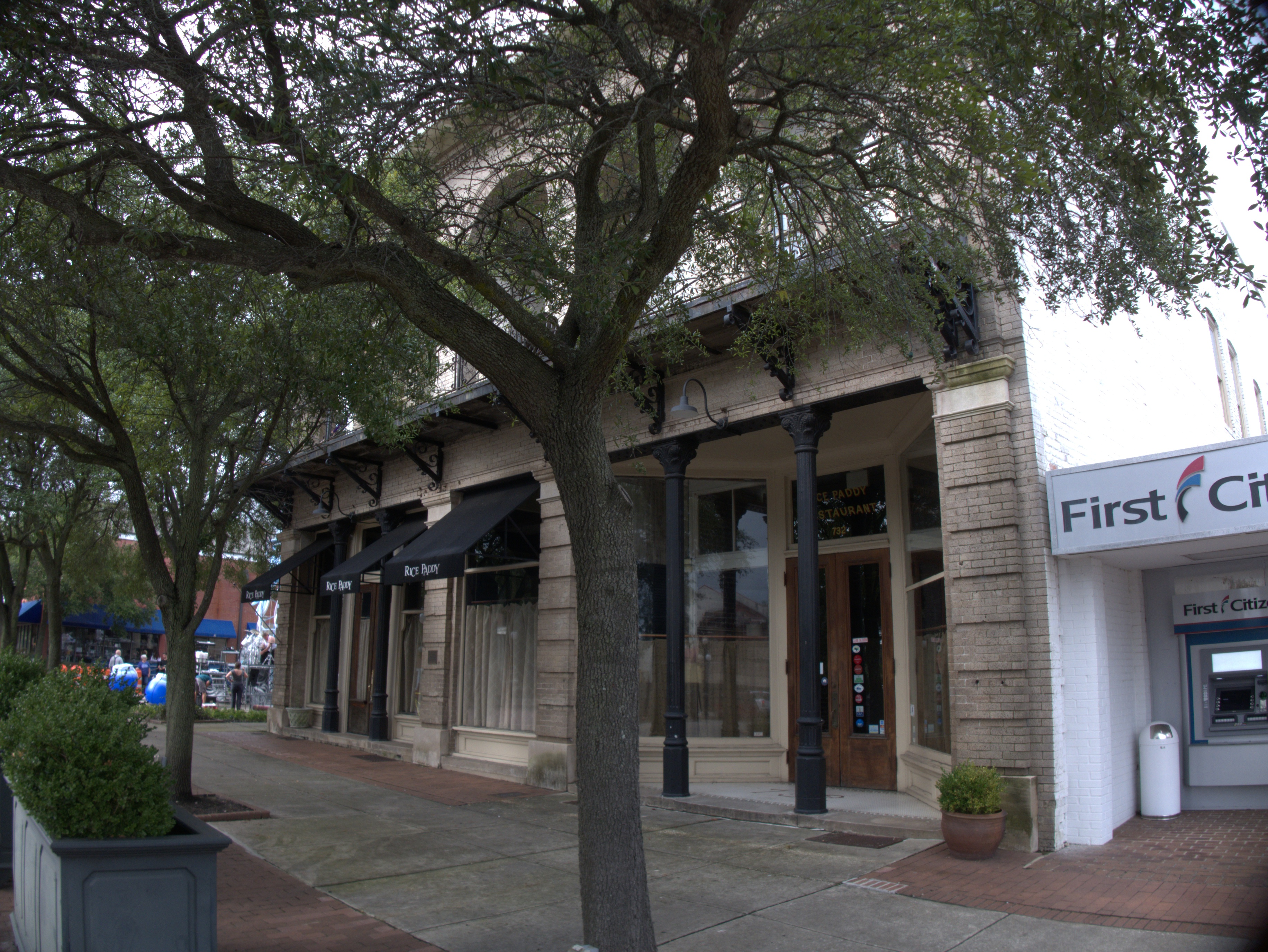 I Was In Downtown Georgetown A Few Weeks Ago Having Taken Refrigerator Part To The Very Far Edge Of Town And Looking Eat Al Fresco On Front Street